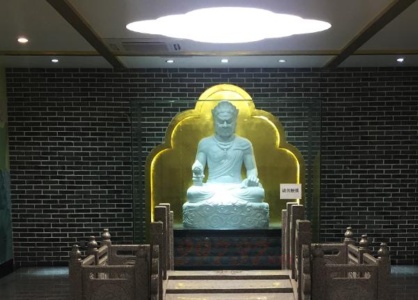 青城山味江河畔金鞭岩王小波起义纪念馆:青城山味江陵园