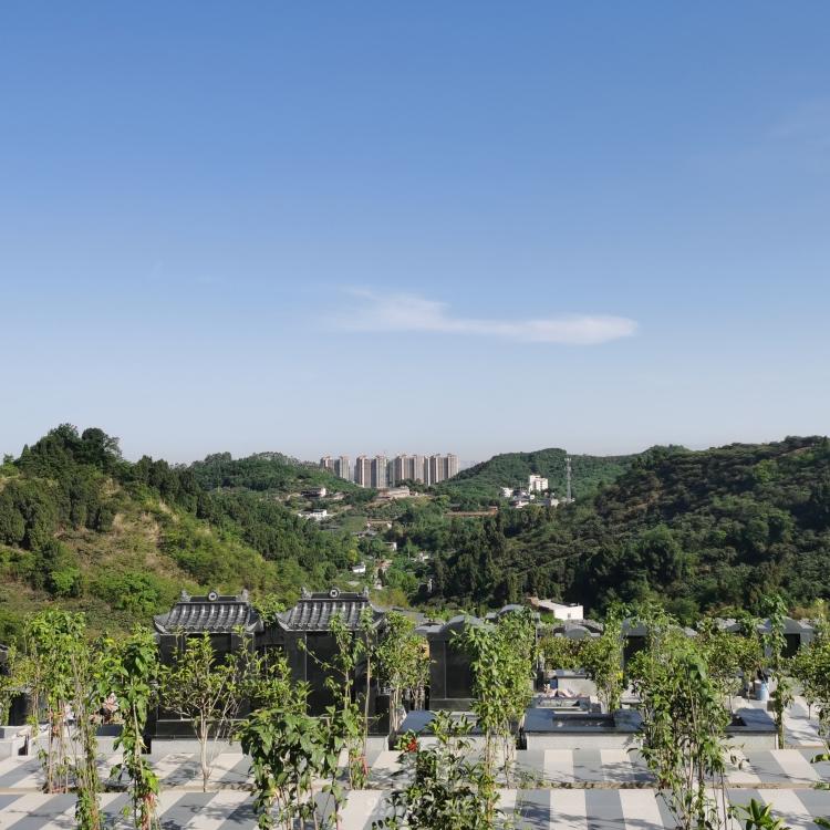 前有照后有靠的成都陵园:收河流之气的墓位是好的位置!