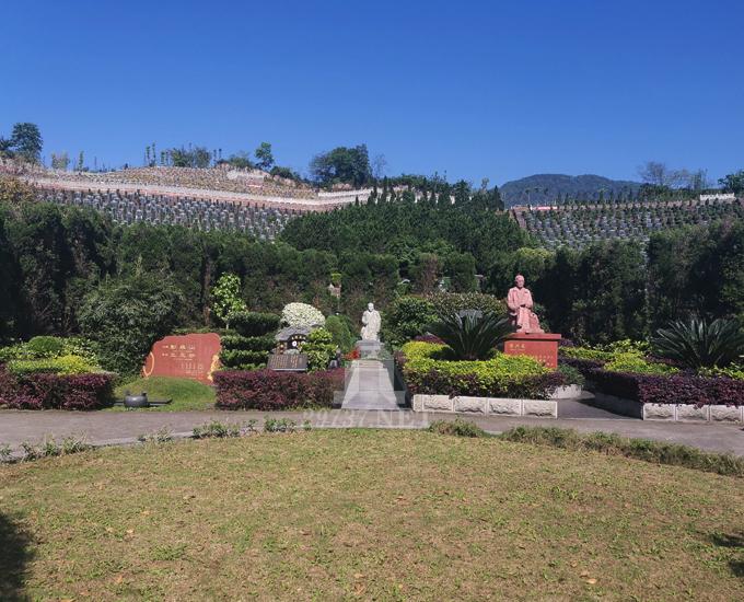 名山区蒙顶山卧佛山公墓给亡人理想家:山水兼备的自然风水墓地