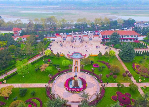 祖坟风水选地方法:温江农村公墓陵园祖坟风水选坟方法有哪些?