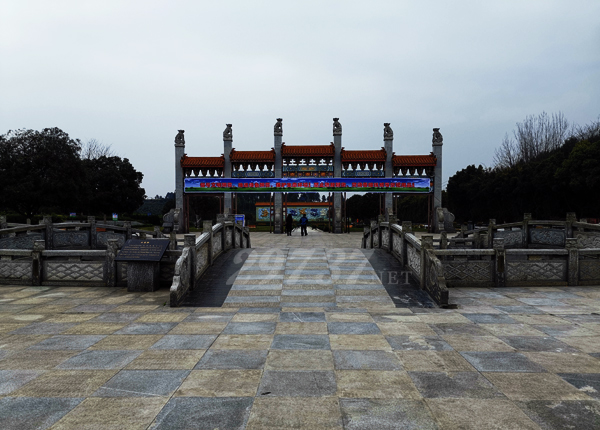 《换个角度看公墓》:航拍蒲江县大兴红枫艺术陵园和锦江区金沙陵园