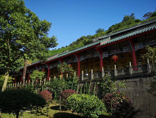 西蜀庙会之首:成都白塔寺怀抱白塔山公墓